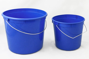 containers/pails